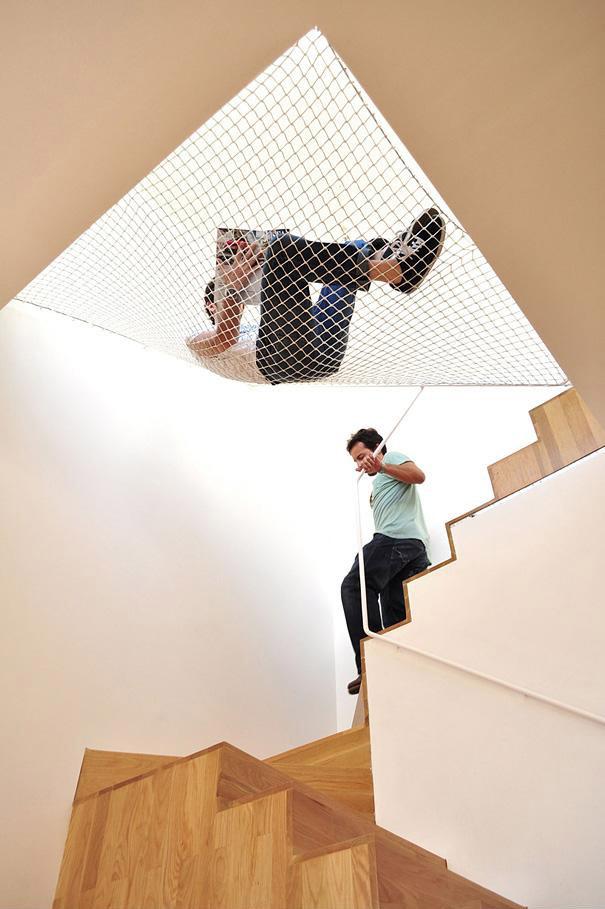 Hamaca sobre la escalera