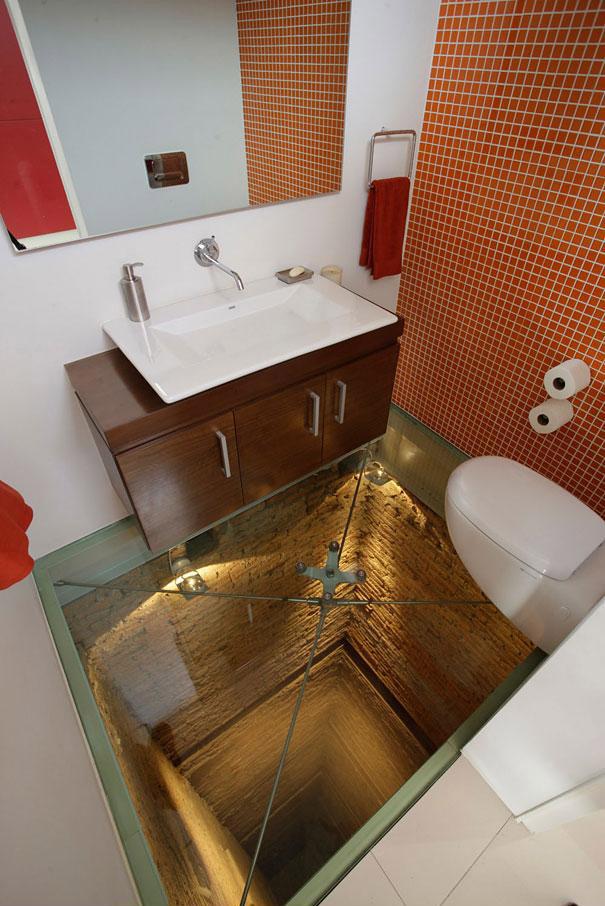 Piso de vidrio en el Baño