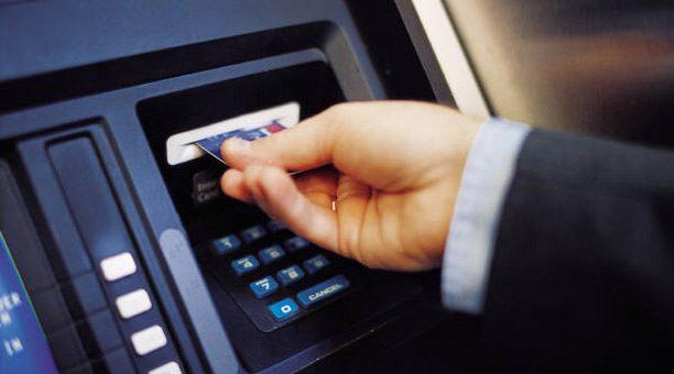 cajero-automatico-costo-operar-bancos-argentina-y-provincias