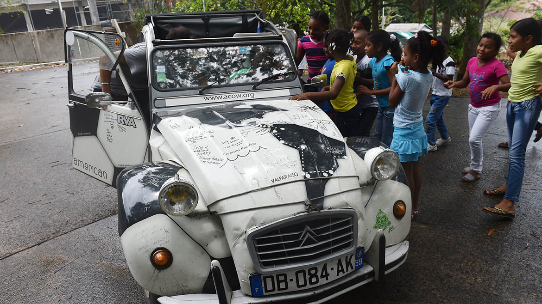 FBL-WC-2014-FRANCE-CAR-BRAZIL