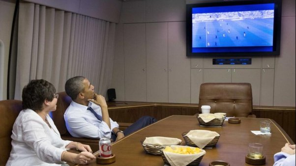 obama mira por tv