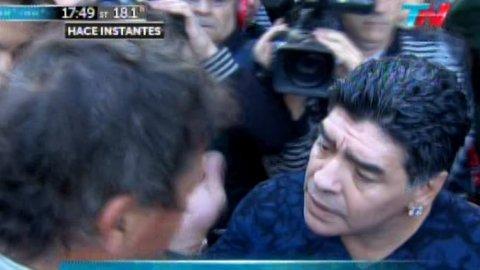 Maradona-golpea-periodista