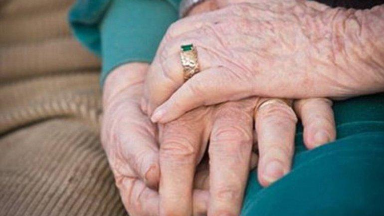 ancianos mueren de la mano6