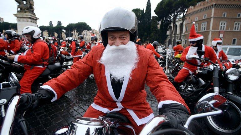 Motoqueros de todo el mundo se disfrazaron de Papá Noel