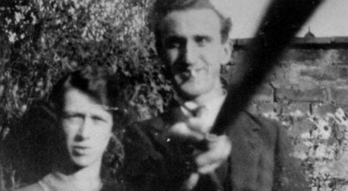 selfie-stick-1925