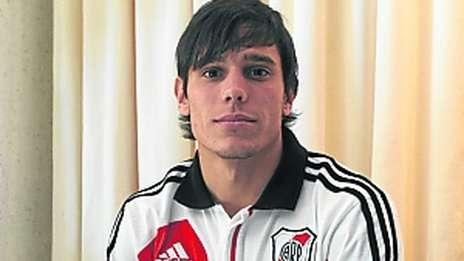 Augusto-juega_OLEIMA20120801_0026_5