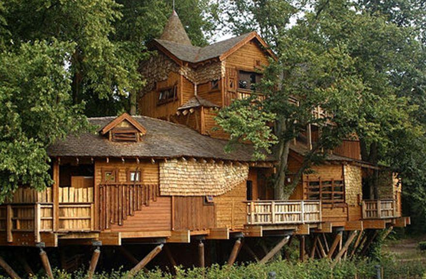 Las mejores y m s completas casas del rbol nexofin for Hotel con casas colgadas de los arboles