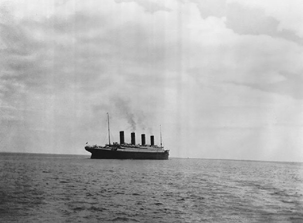 La última foto conocida del Titanic sobre el mar, 1912