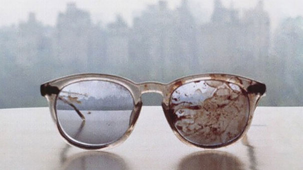 Los lentes que usaba John Lennon cuando fue asesinado, 1980