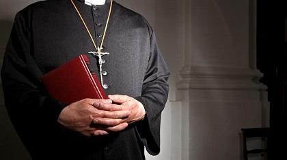 sacerdote.abuso-sexual-pedofilo