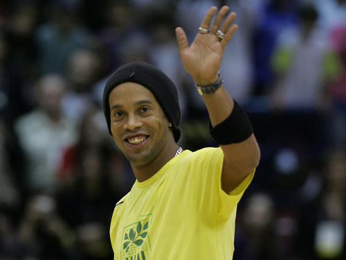 8-Ronaldinho