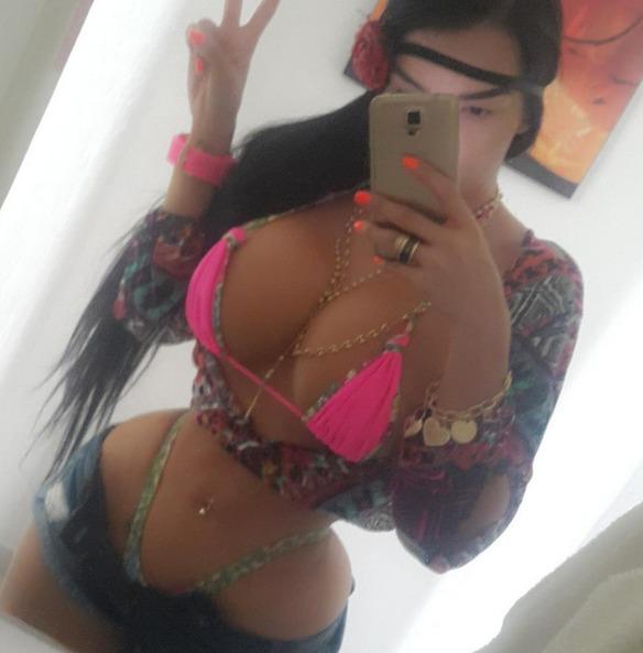 chica corset2
