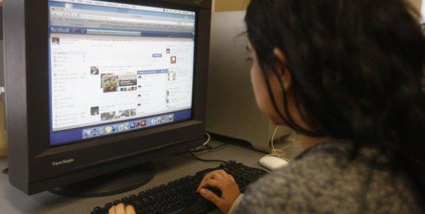 Facebook engaño violación
