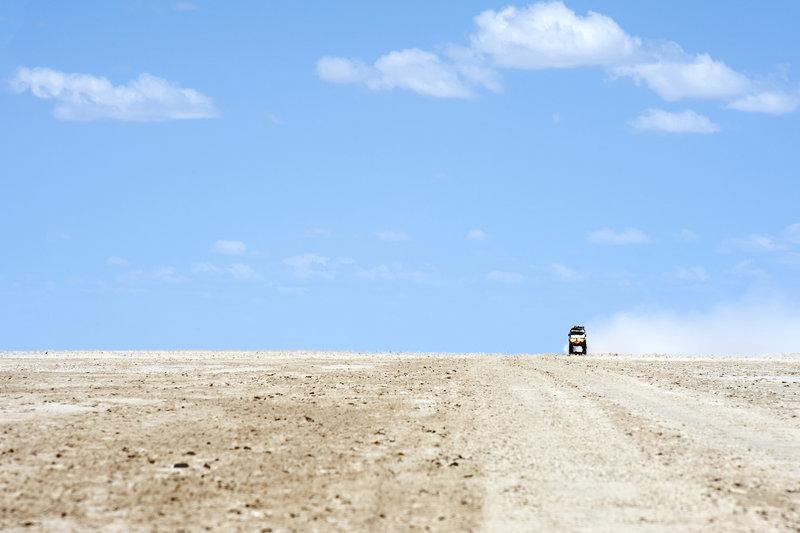 10-lugares-mas-planos-del-mundo-salares-de-makgadikgadi