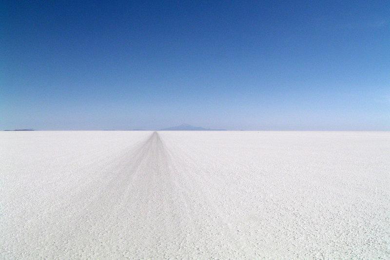 10-lugares-planos-del-mundo-salar-uyuni-bolivia