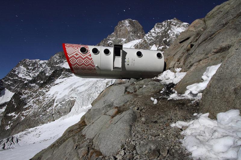 Gervasutti Refuge - Grandes Jorasses Mont Blanc ITALY