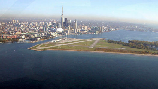 Billy Bishop, Toronto (Canadá)