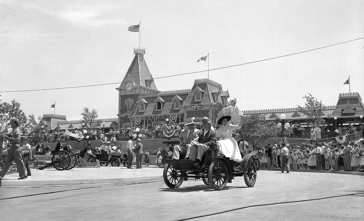 Goodwin J. Knight, Walt Disney, Virginia Knight