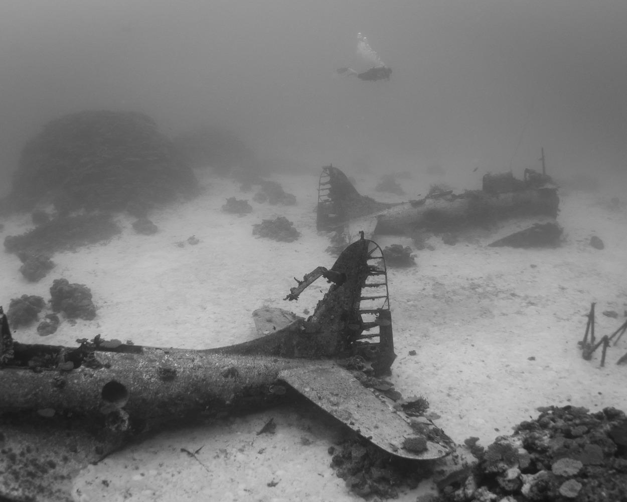 Avion Segunda Guerra Mundial bajo el agua 1