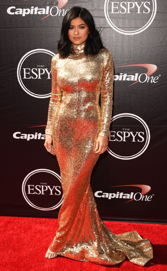 rs_634x1024-150715170051-634.4kylie-jenner-kendall-espys