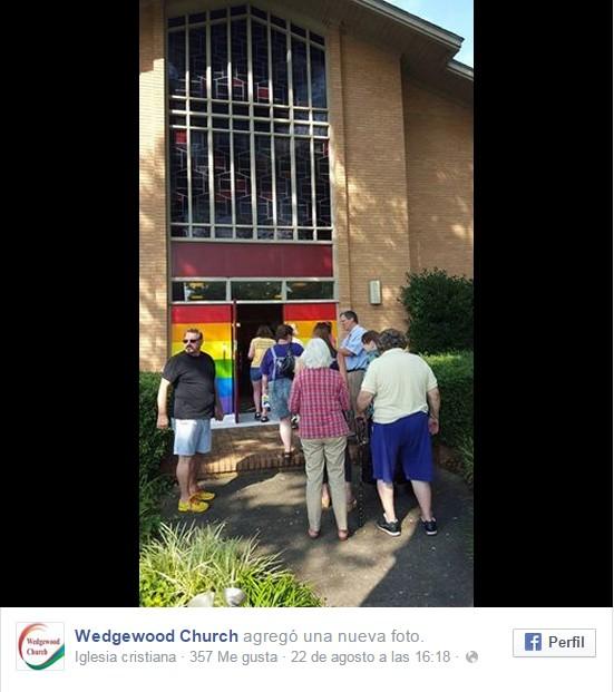 insulto gay iglesia