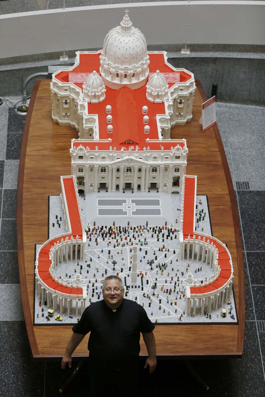 PAPA-FILADELFIA-LEGO