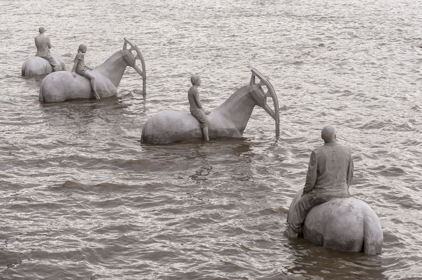 'The Rising Tide' Horse sculptures by artist Jason deCaires Taylor in the Thames, London, Britain - 02 Sep 2015