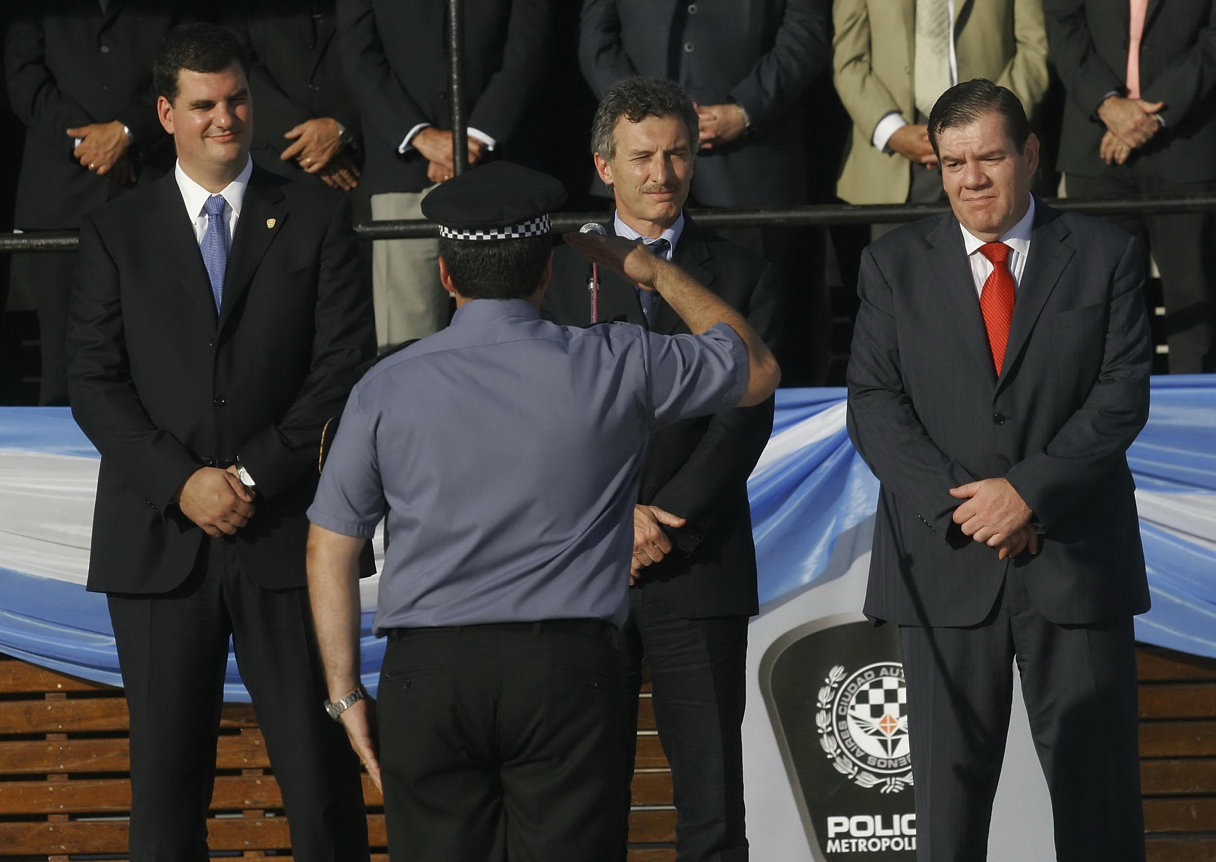 PRESENTACION DE LA PRIMERA CAMADA DE AGENTES Y OFICIALES DE LA POLICIA METROPOLITANA. EL JEFE DE GOBIERNO PORTEÑO MAURICIO MACRI JUNTO AL MINISTRO DE SEGURIDAD, GUILLERMO MONTENEGRO Y EL JEFE DE LA NUEVA FUERZA, EUGENIO BURZACO; PARTICIPARON  ESTA TARDE EN  LA CEREMONIA DE LANZAMIENTO DE LA  FUERZA QUE ESTARA EN LA CALLE A PRINCIPIOS DE 2010
