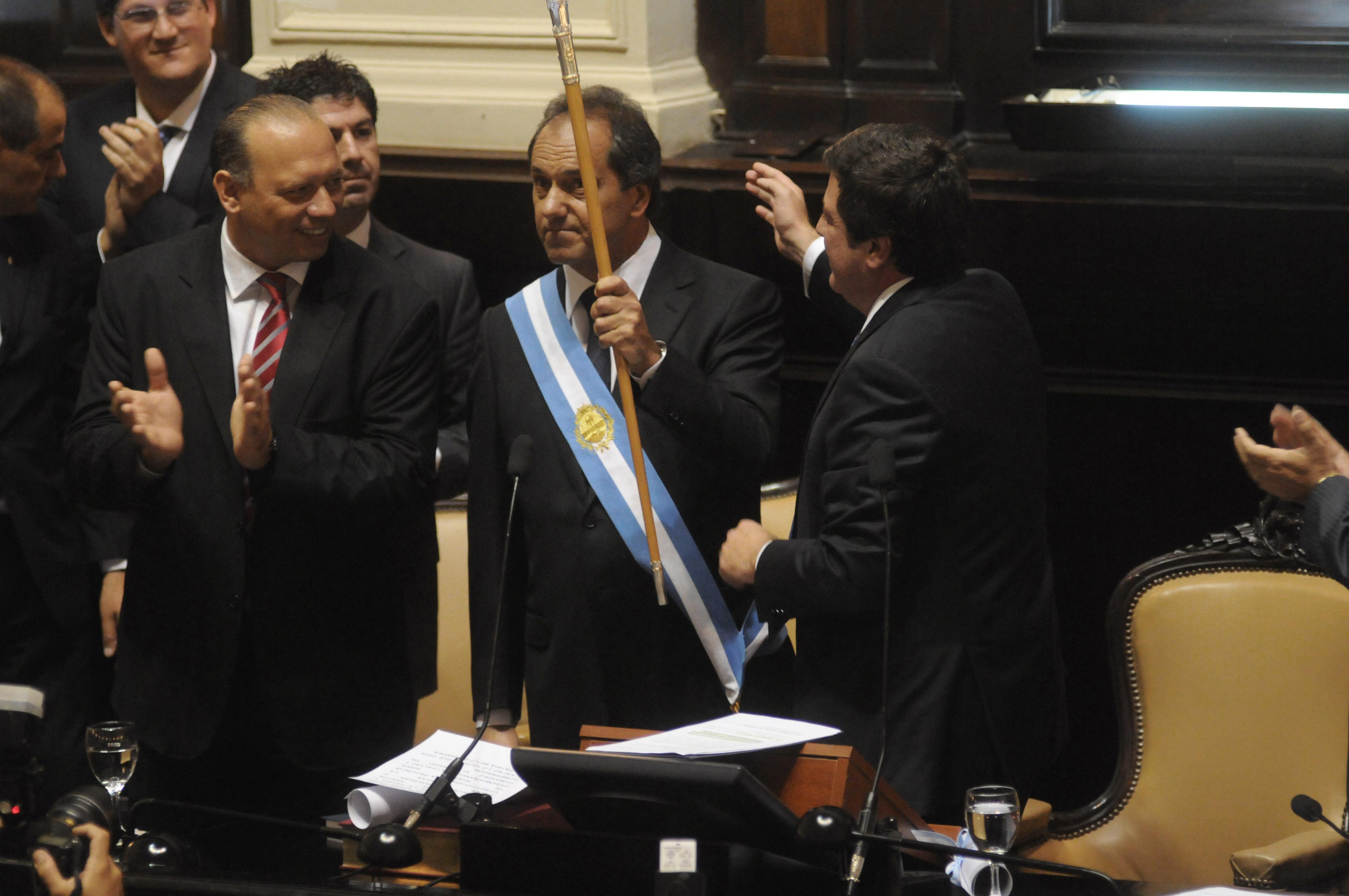 DANIEL SCIOLI JURA DURANTE SU SEGUNDO MANDATO COMO GOBERNADOR DE LA PCIA DE BS AS