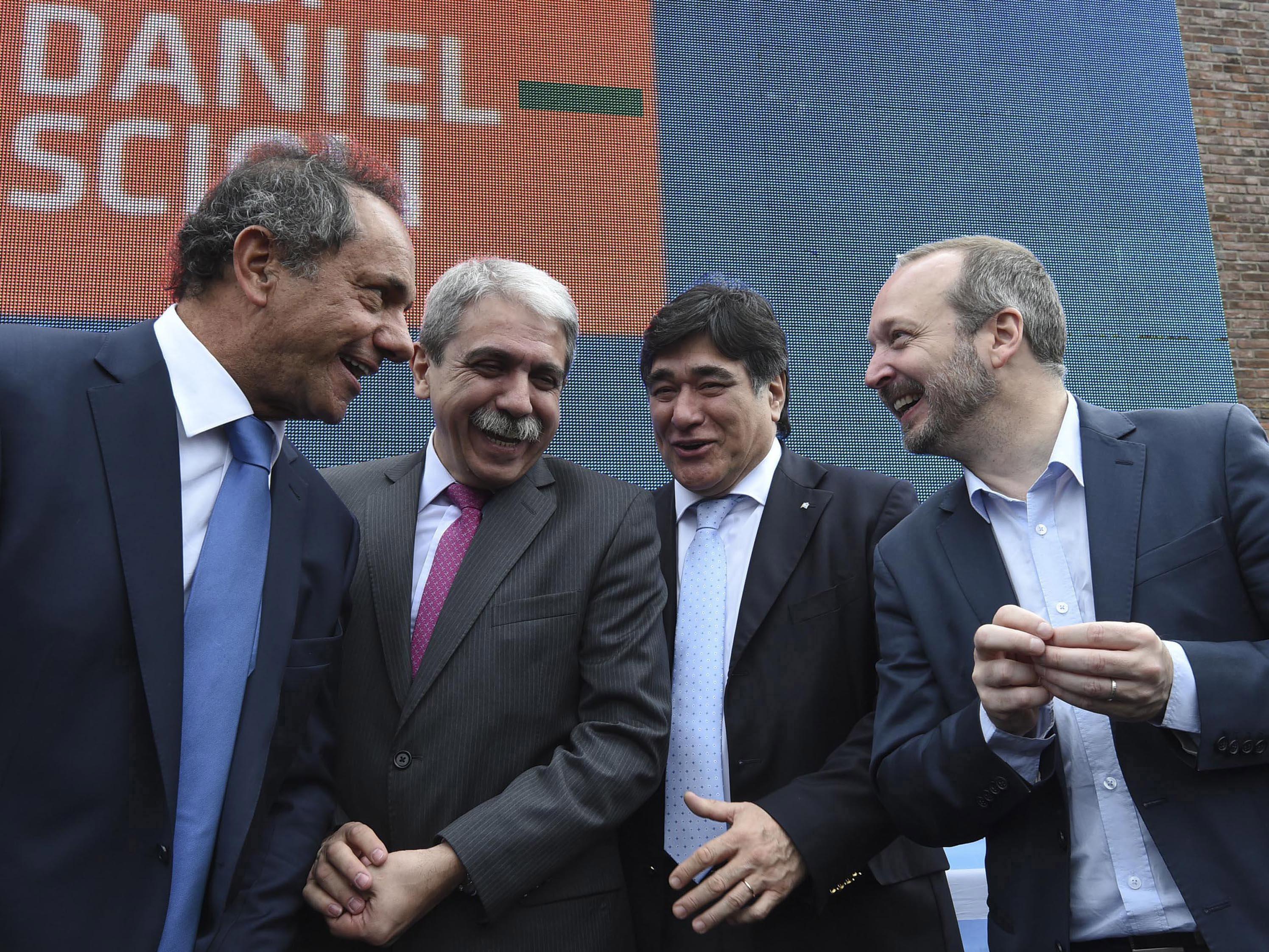 05/10/2015, DANIEL SCIOLI, ANIBAL FERNANDEZ, CARLOS ZANINI Y MARTIN SABATTELLA EN LA INAUGURACION DEL CENTRO OPERATIVO DE MONITOREO DE SAN MARTIN