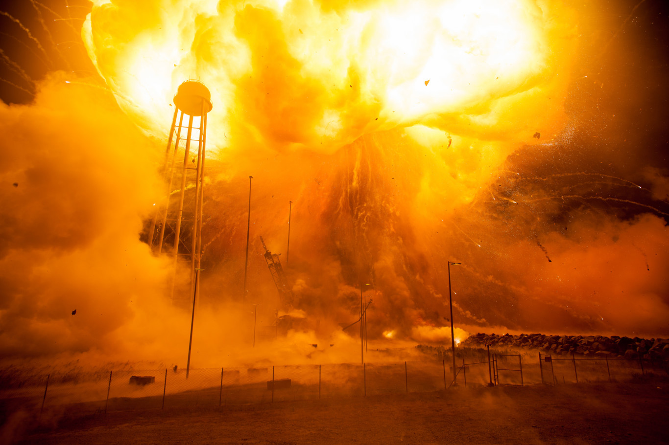 explosion Nasa 8