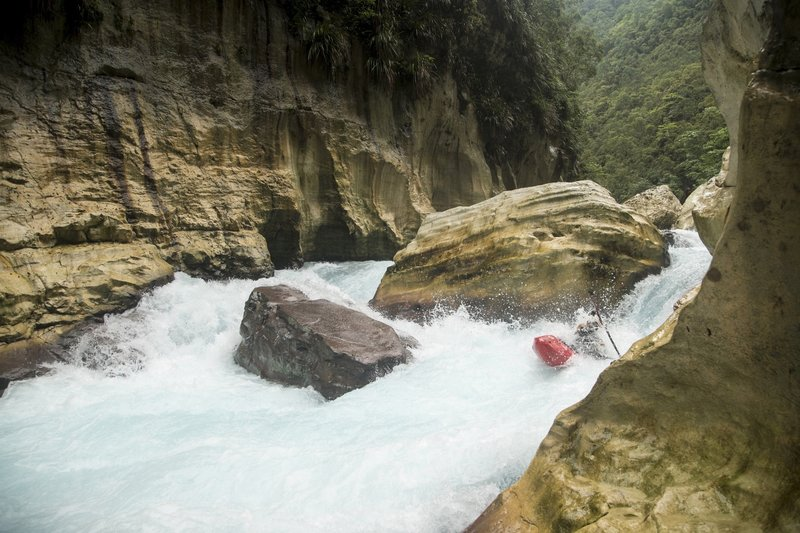 EXPLORERS EP 4.4 Canyoning