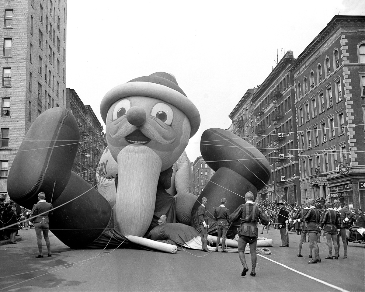 Macy's Thanksgiving Day parade celebrity of the day reached