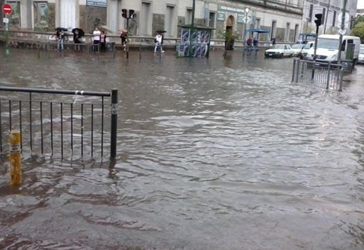 La esquina de Acevedo y Boedo, pleno centro de Lomas de Zamora