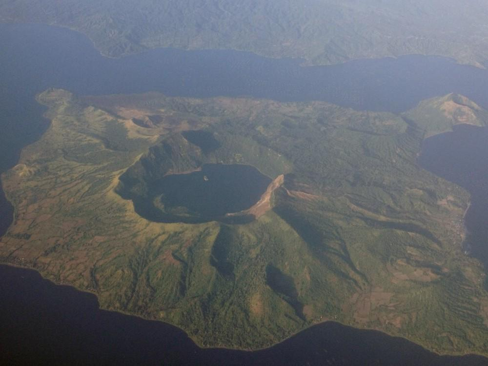 Volcán Taal (Filipinas)