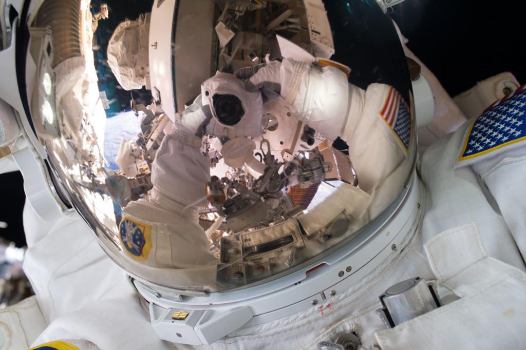 El astronaura Scott Kelly y una gran selfie espacial