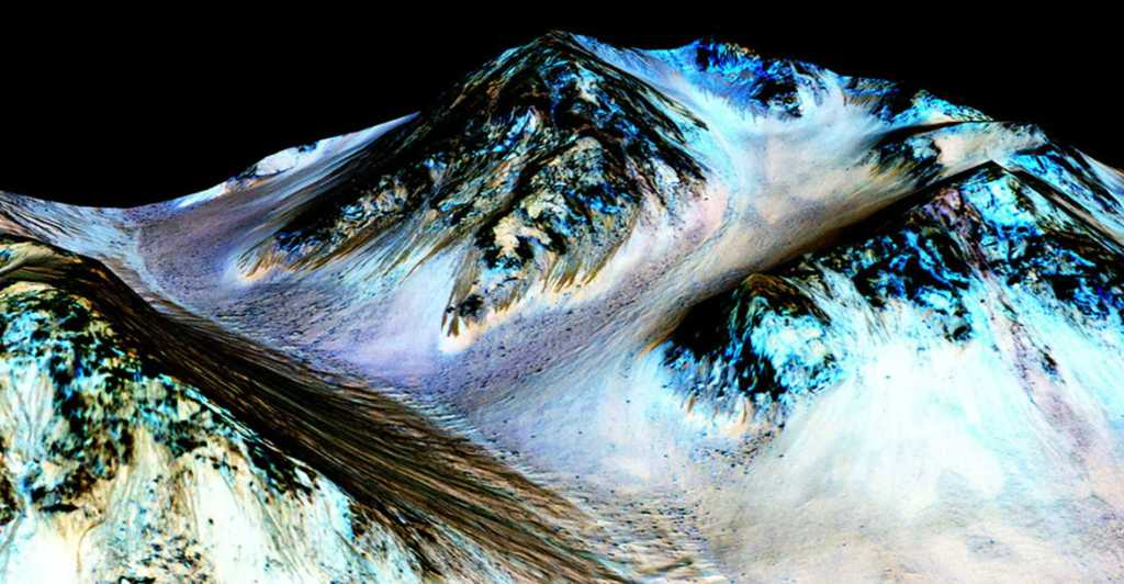 best-space-photos-2015-mars-water-flow-nasa