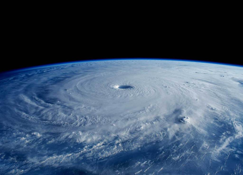 best-space-photos-2015-super-typhoon-maysak