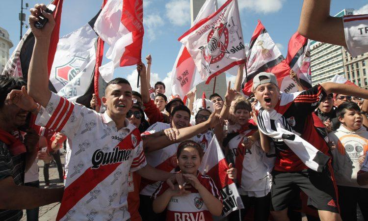 A pesar de la derrota, las hinchas de Paraguay, las más
