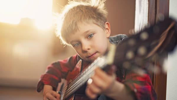 Aprender-instrumentos-chicos-desarrollen-inteligencia