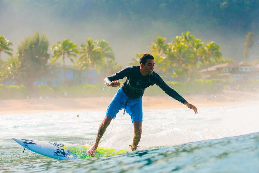 blind-surfer-derek-rabelo-brazil__880