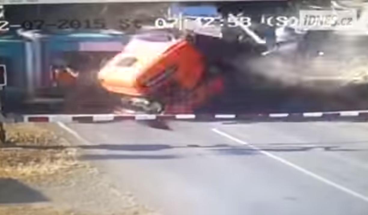 camion vs tren