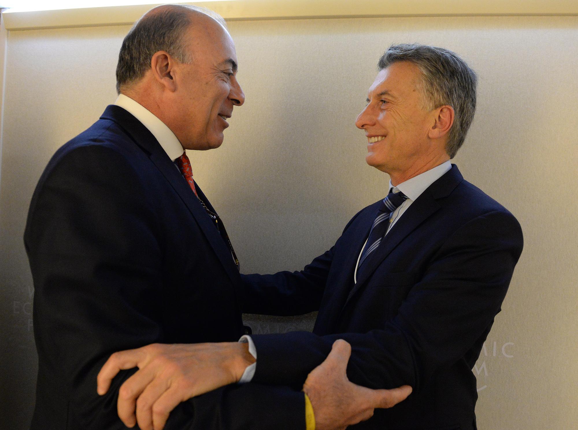 EL PRESIDENTE ARGENTINO, MAURICIO MACRI JUNTO A MUHTAR KENT, PRESIDENTE Y CEO, COCA-COLA, DURANTE LA REUNION EN FORO ECONÓMICO MUNDIAL