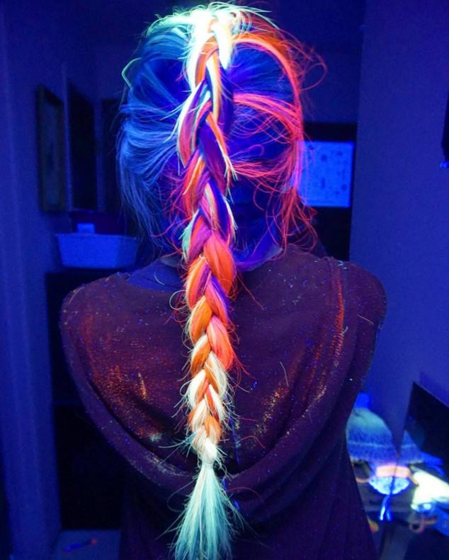 pelo brilla oscuridad
