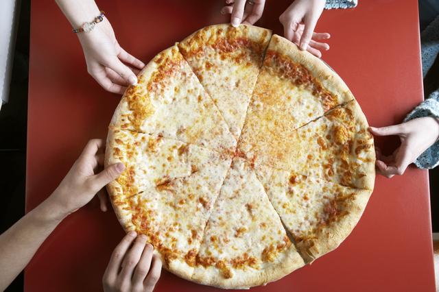 pizza cortada
