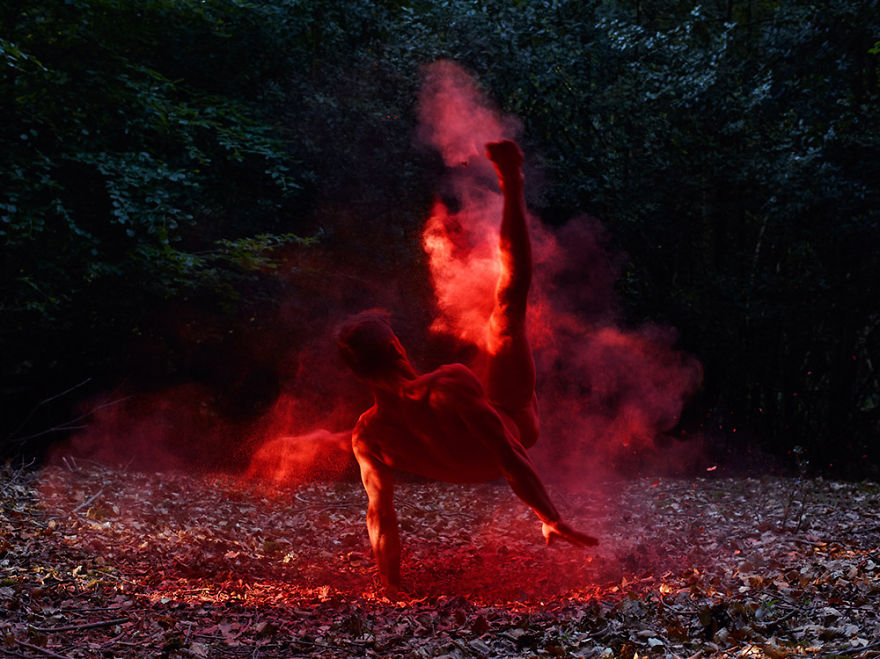 This-Swedish-Photographer-Captures-Mindblowing-Images-of-Dancers-in-Nature2__880