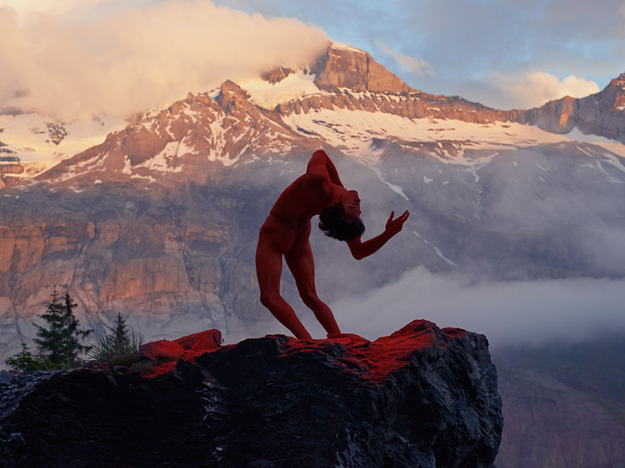 This-Swedish-Photographer-Captures-Mindblowing-Images-of-Dancers-in-Nature8__880