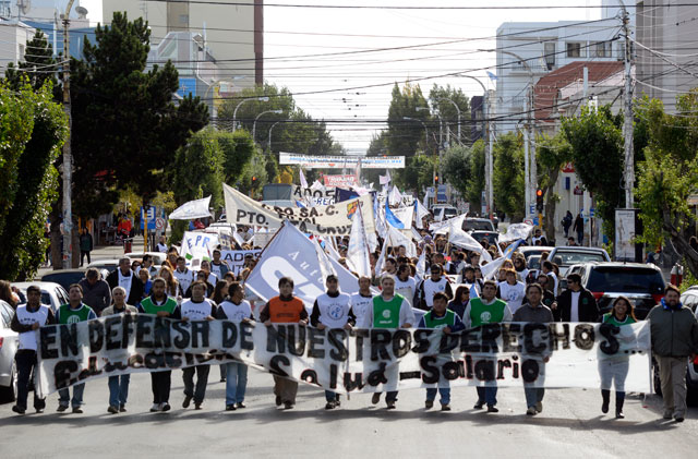 adosac_protesta_santa_cruz