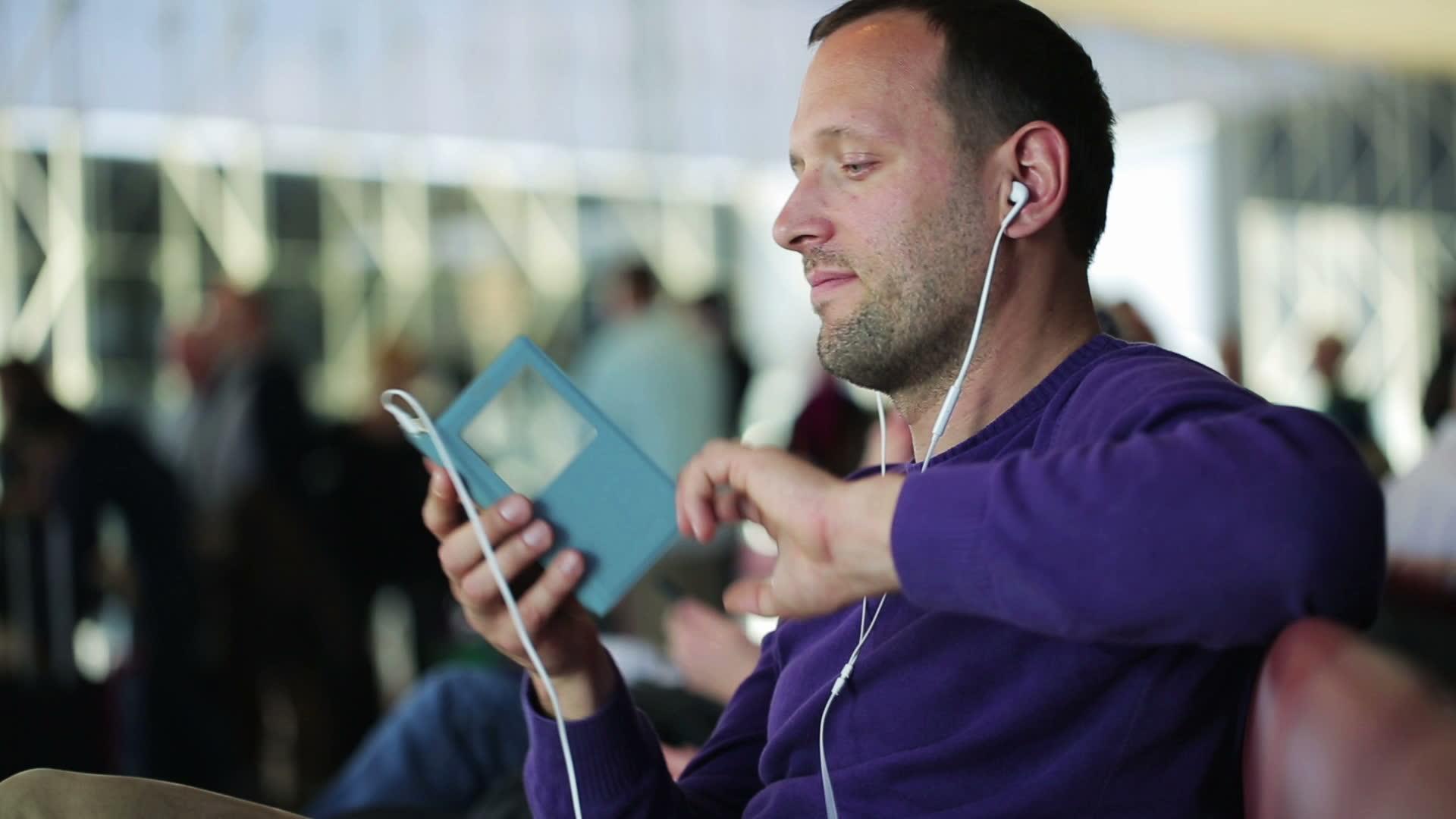 celular-musica-auriculares
