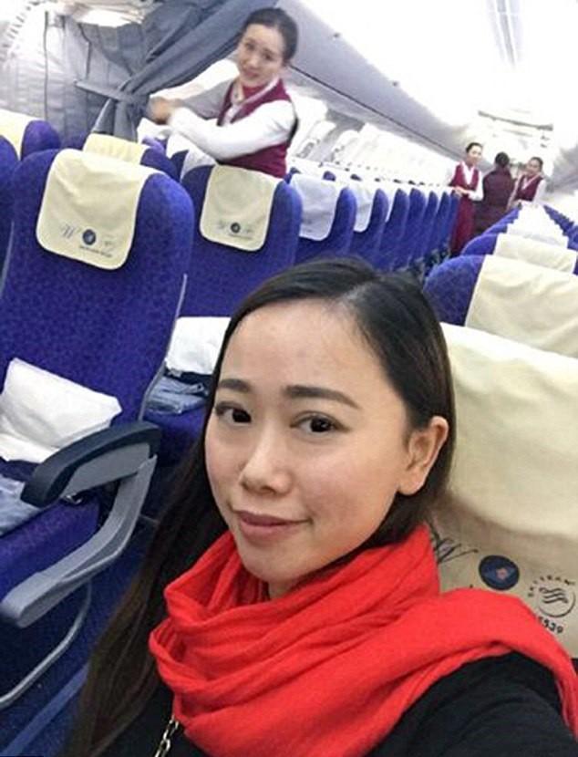 Mujer avion 1